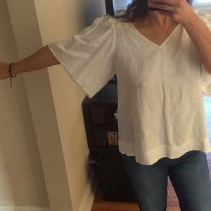 53% Linen off white flowing ruffled sleeved detail